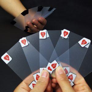 Cărți de joc transparente