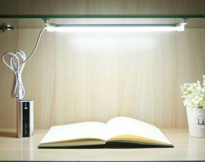 Lampă LED pentru birou