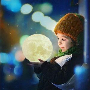 Lampă veioză luna 3D